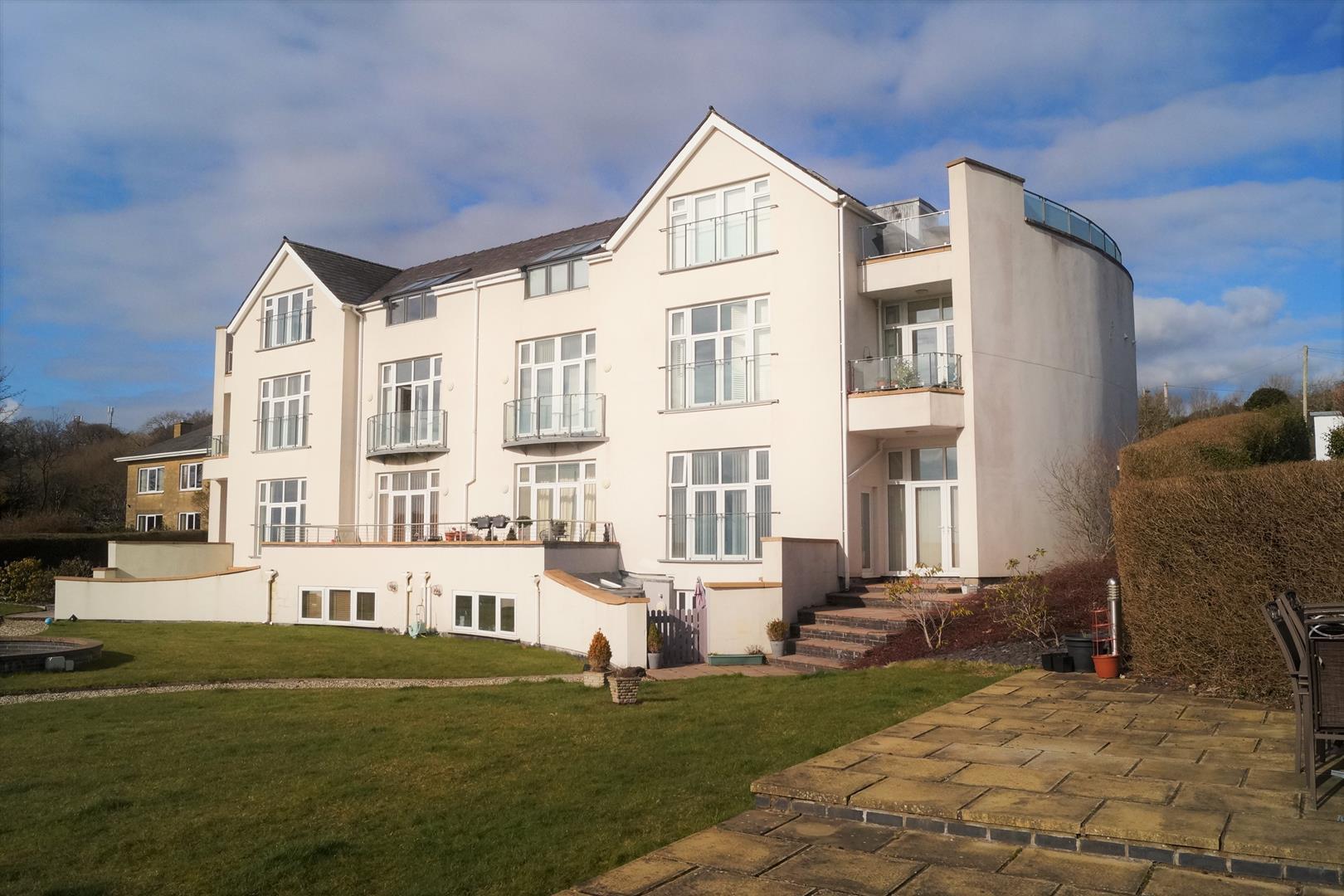 Caernarfon Road, Pwllheli - £229,000
